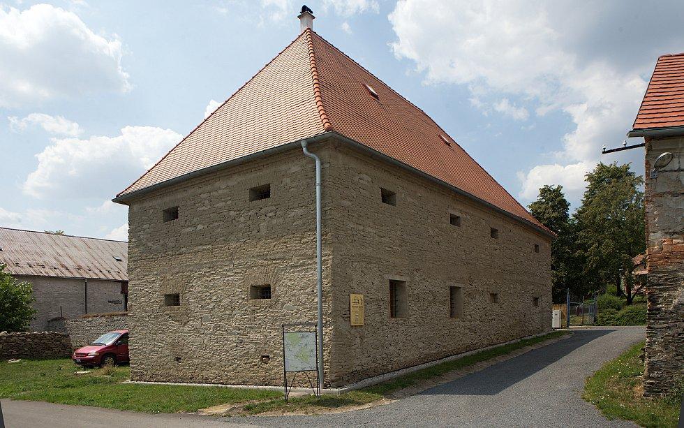 Zrekonstruovaná barokní sýpka v Ludéřově