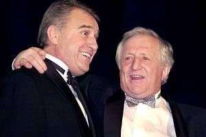 Petr Uličný a Pavel Bobek na vyhlášení ankety o nejlepšího českého fotbalistu v roce 1999