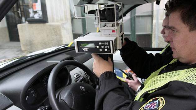 Městští policisté kontrolovali řidiče.
