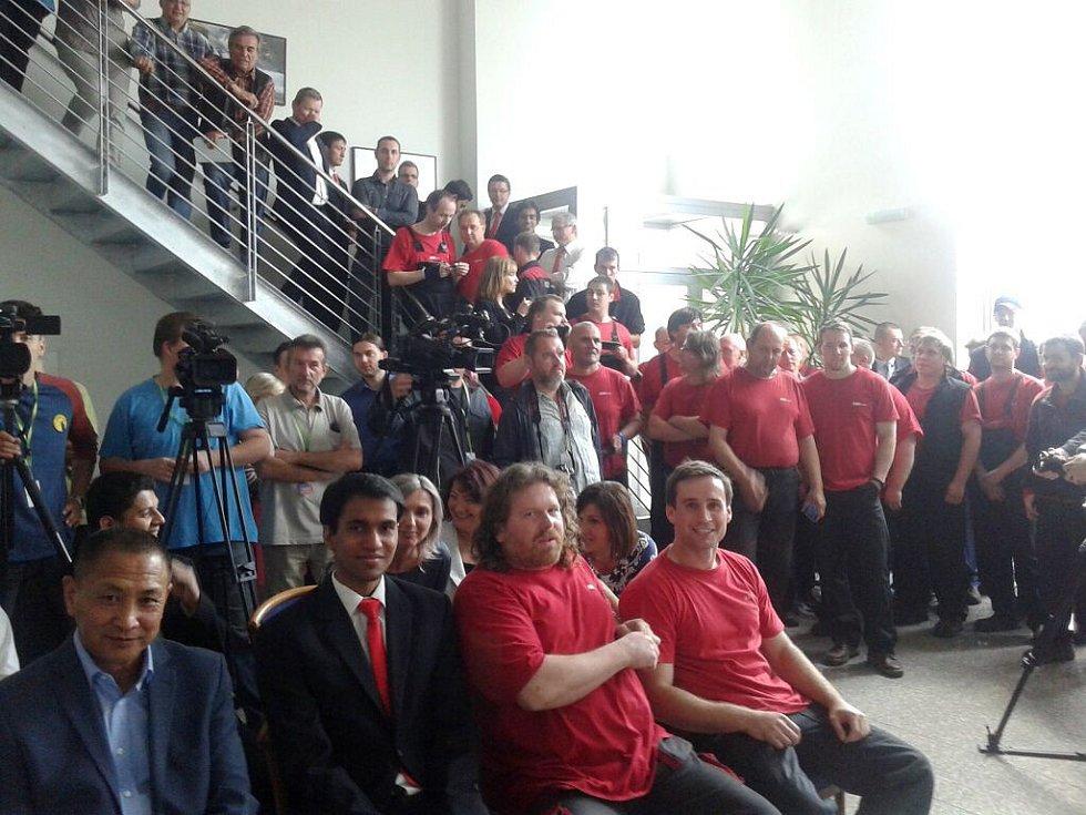 Zaměstnanci společnosti ABO valve Olomouc na setkání s prezidentem