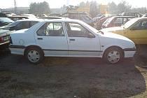 Renault, který se nebezpečně řítil Olomoucí