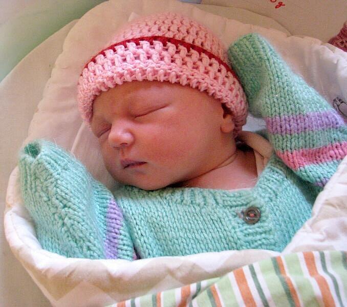 Amálie Učňová, Šternberk, narozena 16. března v Olomouci, míra 50 cm, váha 3620 g