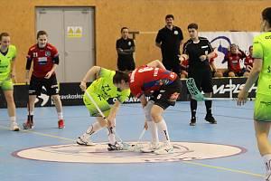 Florbalistky Olomouce (v červeném) v zápasy play-off proti Vítkovicím