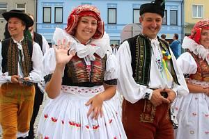 Krojovaní Hanáci na hodech v Kojetíně. Ilustrační foto