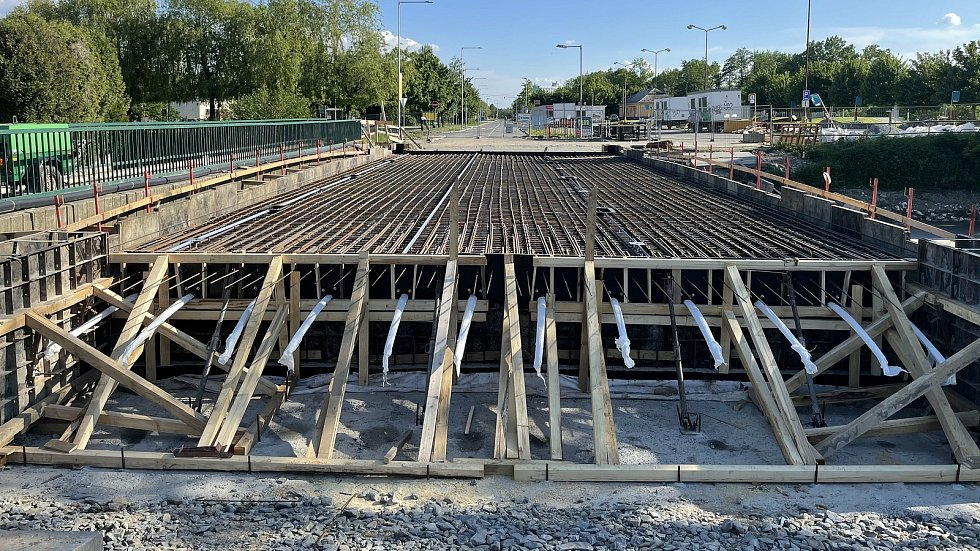 Nový most u autobusového nádraží v Dukelské ulici v Litovli, 2. června 2021