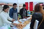 Festival plný netradičních pokrmů Extreme food festival v areálu Letního kina v Olomouci. Vietnamská kuchyně.