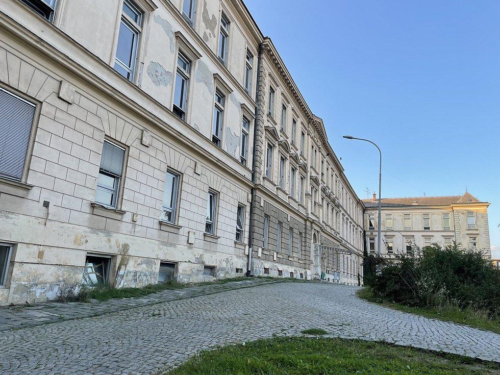 Nejstarší pavilon Fakultní nemocnice Olomouc známý jakoFrancJosef, září 2021