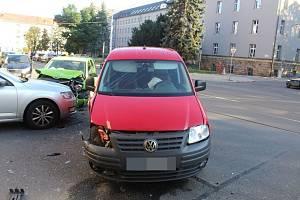 Dopravní nehoda tří osobáků v Olomouci, 4. 9. 2019