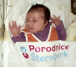 Ema Šustrová, Olomouc, narozena 17. dubna ve Šternberku, míra 50 cm, váha 3190 g