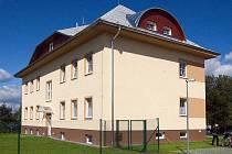 Budova Klokánku v Dlouhé Loučce