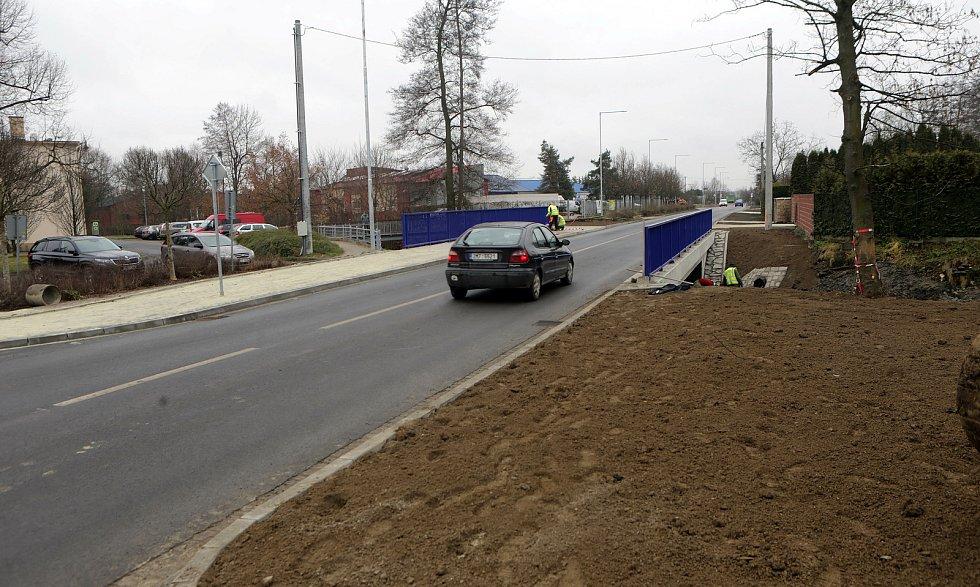 Zrekonstruovaný průtah Litovlí v Dukelské ulici. Prosinec 2020