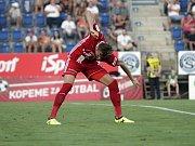 Olomoučtí fotbalisté (v červeném) remizovali se Slováckem 0:0Tomáš Chorý