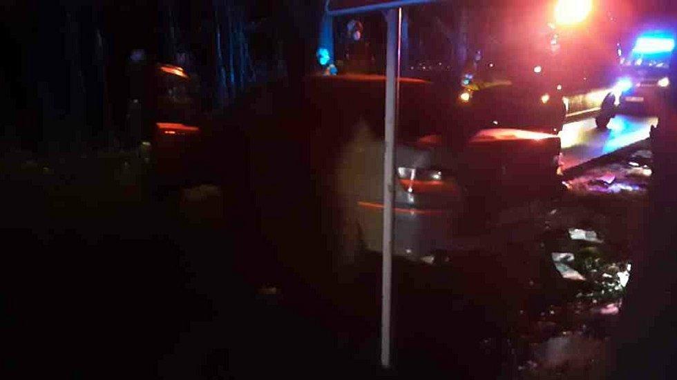 Srážka dvou aut v Olomouci mezi Holicí a Novými Dvory. 24.12. 2020