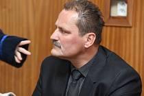 Bývalý šéf šternberksých strážníků Pavel Pospíšil u okresního soudu v Olomouci