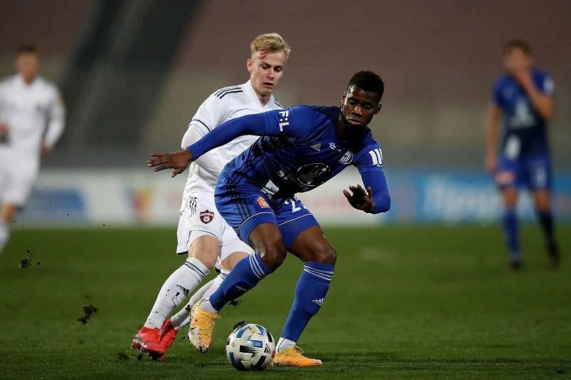 Fotbalisté Sigmy (v modrém) nastoupili v semifinále turnaje Tipsport Malta Cup proti Trnavě.