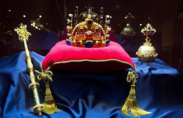 Výstava České korunovační klenoty… na dosah ve Vlastivědném muzeu Olomouc