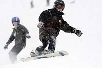 Studenti litovelského gymnázia na lyžařském kurzu v Karlově pod Pradědem