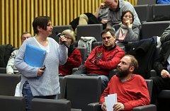 Veřejná debata k protipovodňovým opatřením v centru Olomouce v aule Pedagogické fakulty Univerzity Palackého