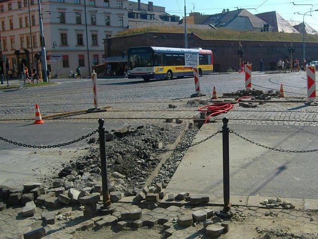 Opravy na křižovatce třídy Svobody a Havlíčkovy ulice