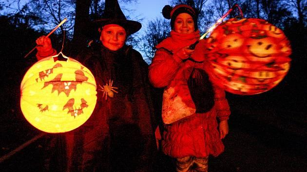 Halloweenský večer. Ilustrační foto