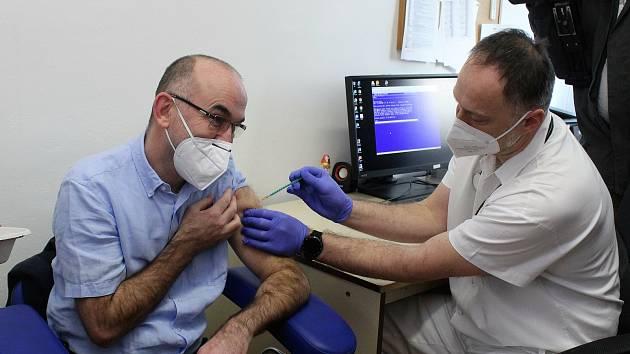 Očkování vakcínou proti nemoci covid-19. Ilustrační foto