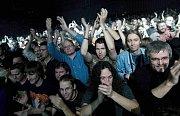 Yes v Olomouci - publikum ve sportovní hale UP
