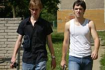 Režisér Jan Haluza (vlevo) spolu s představitelem hlavní role Jiřím Navrátilem.