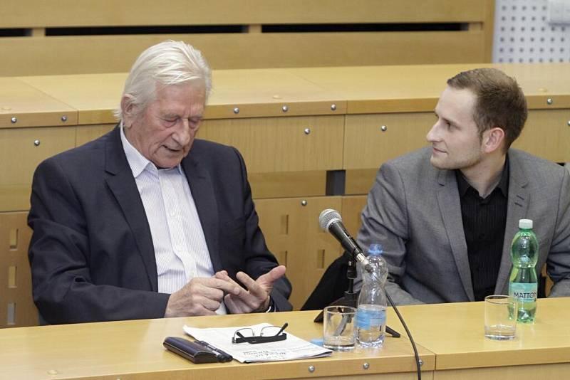 Karel Brückner (vlevo)