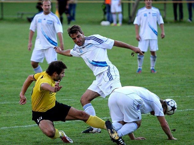 Fotbalisté Šternberka v bílém