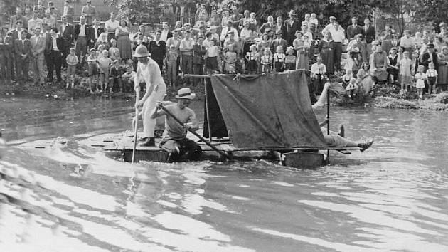 ROK 1960. Oblíbená akce přilákala každoročně do Újezdu desítky návštěvníků.