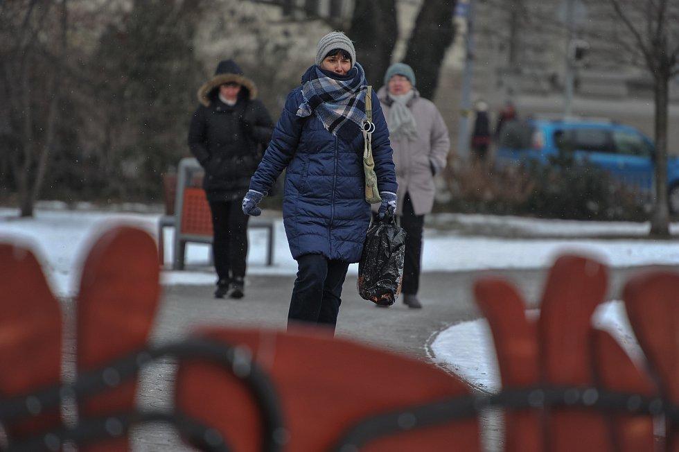 Mrazivé počasí v Ostravě (-9°C) v Ostravě.