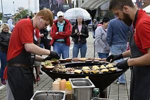 Olomoucký Burger street festival nezastavila ani nepřízeň počasí. 20.6. 2020
