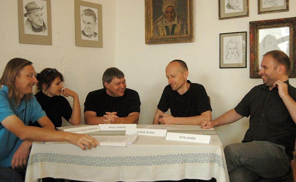 ProOlomouc. Zleva - David Helcel, Michaela Johnová Čapková, Pavel Grasse, Tomáš Pejpek a Petr Daněk.