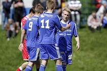Fotbalisté Sigmy B (v modrém) porazili Hulín 4:0.