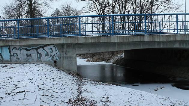 Most přes Hloučelu v Olomoucké ulici v Prostějově