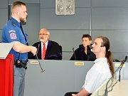 Josefa Ondrýska poslal okresní soud na 6,5 roku do vězení. Odvolal se, protože přímou vinu na smrti dvou dětí odmítá.