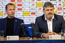 """Sportovní manažer Sigmy Ladislav Minář (vpravo) a nový trenér """"áčka"""" Radoslav Látal"""