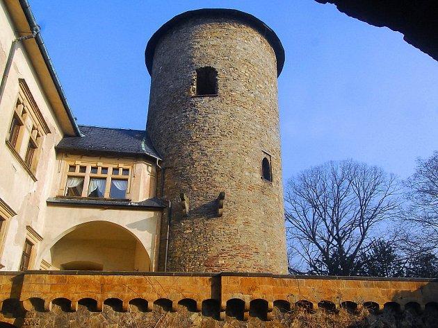 Věž šternberského hradu.