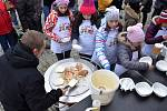 Soutěž o nejvypečenější vánočku na náměstí v Uničově