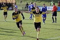 Fotbalisté Nových Sadů (ve žlutém) porazili Nový Jičín 3:1.
