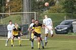 Fotbalisté Nových Sadů B (ve žluto-černém) porazili Určice 3:2 po penaltovém rozstřelu.