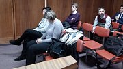 Obžalované pracovnice Českých drah u olomouckého okresního soudu - v první lavici zleva Jarmila Soukupová, vedle Jana Stejskalová