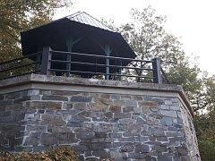 Zelená budka nad Šternberkem je po opravě opět přístupná veřejnosti.