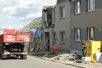 Úklid následků tornáda v Mikulčicích. Ilustrační foto