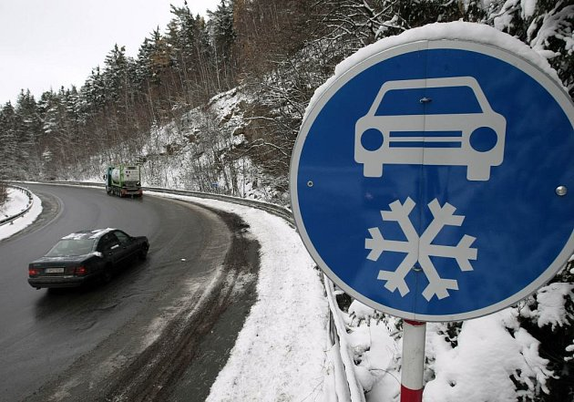 Řidiči by zde měli jet pouze na zimních gumách.