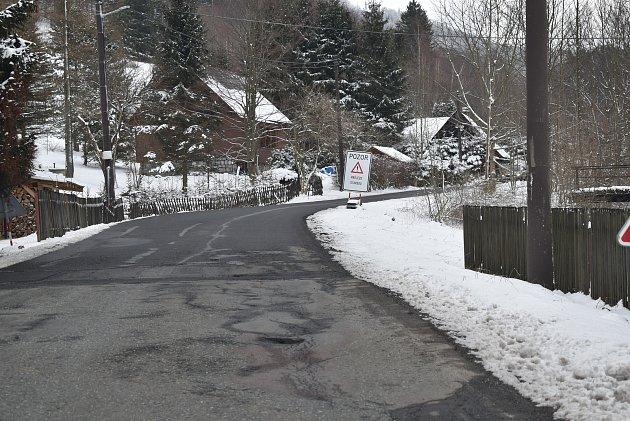 Rekonstruovaná silnice zBělé pod Pradědem na Videlské sedlo.