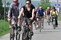 Cyklisté ve vojenském prostoru Libavá při tradiční akci Bílý kámen. Ilustrační foto