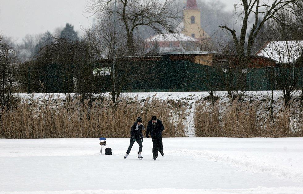 Zamrzlý rybník Hamrys v olomoucké části Povel.