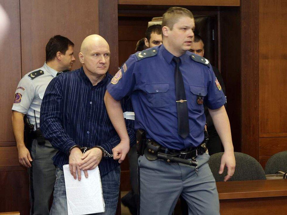 Hlavním míchačům metanolové směsi Rudolfu Fianovi a Tomáši Křepelovi Vrchní soud v Olomouci v roce 2015 potvrdil doživotní tresty