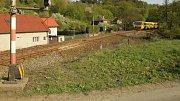 Vlak na trati Olomouc - Krnov u Hluboček